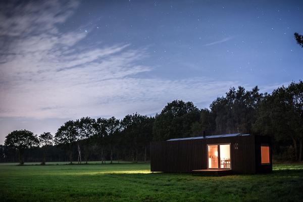 slow_cabins_nightfall_copyright_slow_cabins_by_jonas_verhulst_1.jpg